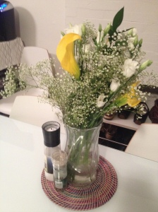 Beautiful flowers to make the apartment brighter